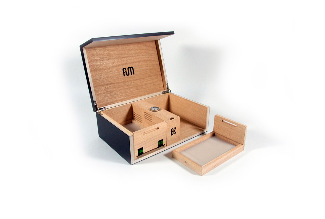 FumBuy Box Large B4CC Desktop Humidor