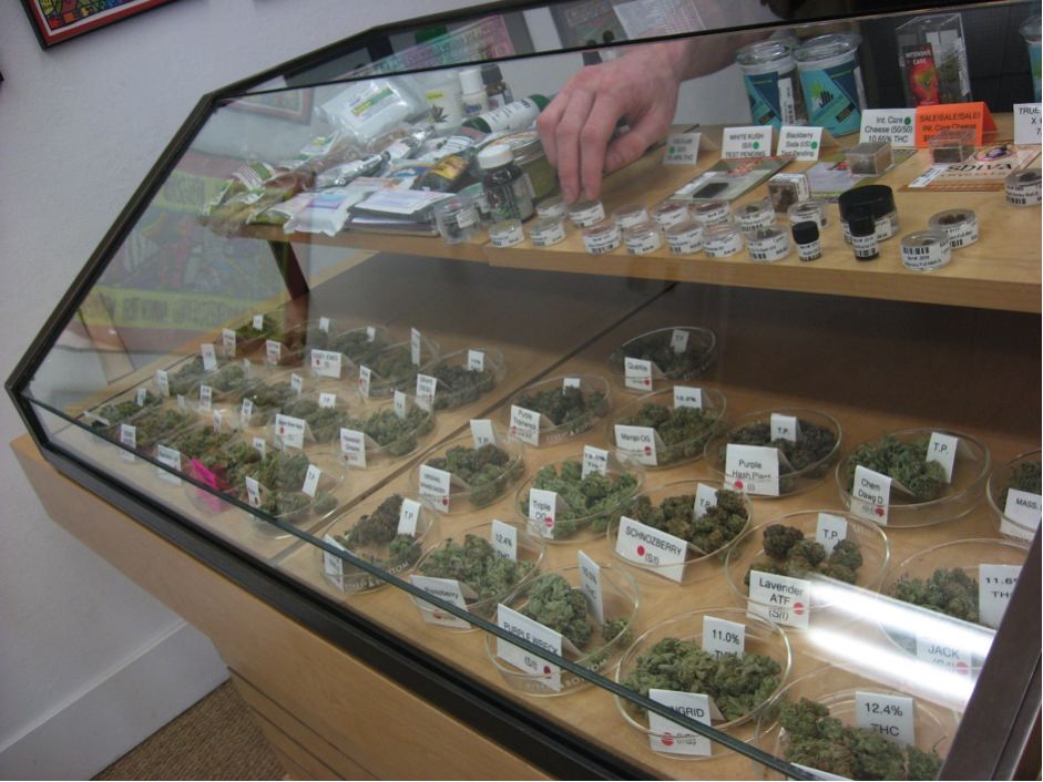 Oakland cannabis licences for locals only