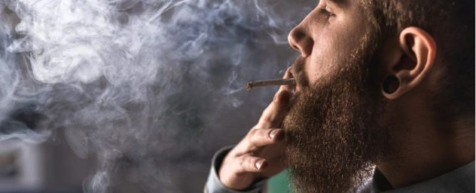 can smoking weed damage your lungs?
